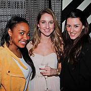 NLD/Amsterdam/20110214 - Onthulling nieuwe pump Chick Shoes ism I Love Fashion News, Annic van Wonderen, en Danielle van Aalderen met vriendin