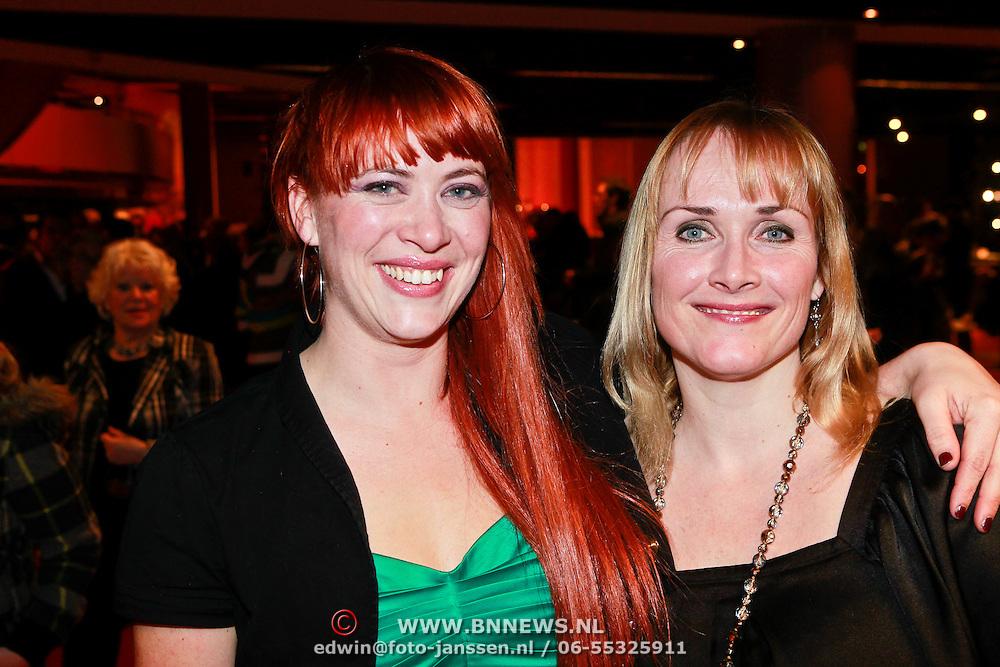 NLD/Breda/20110228 - Premiere Masterclass, Marleen van der Loo en vriendin