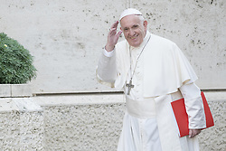 October 3, 2018 - Vatican City, Vatican - Pope Francis arrives to attends the begins of the 15th ordinary general assembly of the Synod of Bishops  (Credit Image: © Massimo Valicchia/NurPhoto/ZUMA Press)