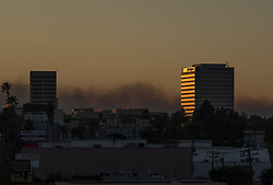 November 9, 2018 - Los Angeles, California, United States - A general view of the Los Angeles, US, on 10 November 2018 on the 3rd day of the Woolsey Fire. (Credit Image: © John Fredricks/NurPhoto via ZUMA Press)