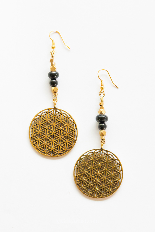 Flower of Life EMF Protection Shungite Earrings help to magnify energy and create the perfect meditation for anyone looking at you.  They will leave feeling whole, calm and complete.