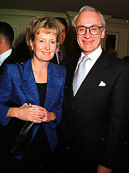 LORD & LADY CHADLINGTON at a lunch in London on 15th October 1999.<br /> MXW 55