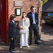 NLD/Laren/20130103 - Huwelijk Laura Ruiters, bruidsmeisje Jada Borsato