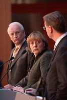12 NOV 2003, BERLIN/GERMANY:<br /> Edmund Stoiber (L), CSU, Ministerpraesidnet Bayern, Angela Merkel (M), CDU Bundesvorsitzende, und Guido Westerwelle (R), FDP Bundesvorsitzender, waehrend einer Pressekonferenz zu dem vorangegangenen  Spitzentrfffen von Politiker der CDU/CSU und der FDP, axica Kongress- und Tagungszentrum<br /> IMAGE: 20031112-01-019<br /> KEYWORDS: Opposition, Spitzengespraech