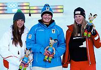 Freestyle   , 15. januar 2012 , ungdoms-OL<br />   OLYMPIA, FREE SKI, FREESTYLE SKIING - YOG2012, Olympische Jugend-Winterspiele Innsbruck, Halfpipe, Damen, Flower Ceremony. Bild zeigt Christiansen Sjaastad (NOR) und Elisabeth Gram (AUT) und Marine Tripier Mondancin (FRA). <br /> <br /> Norway only