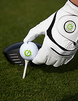 TEXEL - De Cocksdorp.  - stock, golfbal met logo en handschoen met logo. Golfbaan De Texelse. COPYRIGHT KOEN SUYK