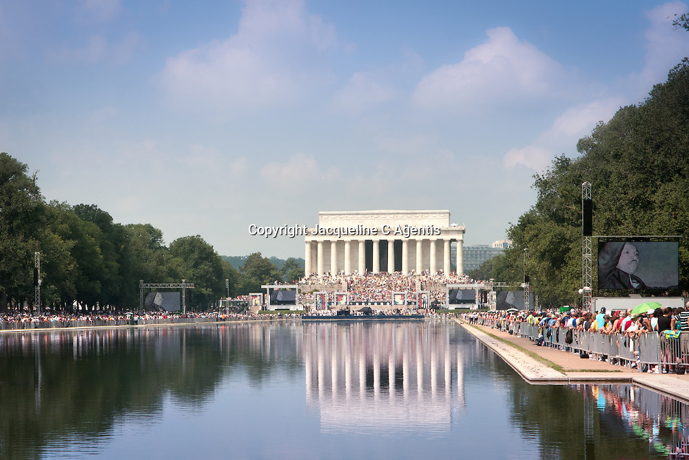 """Washington DC Glen Beck Ralley Restoring Honor the Day of Martin Luther King """"I Have A Dream"""" Speech on the steps of the Lincoln Memorial"""