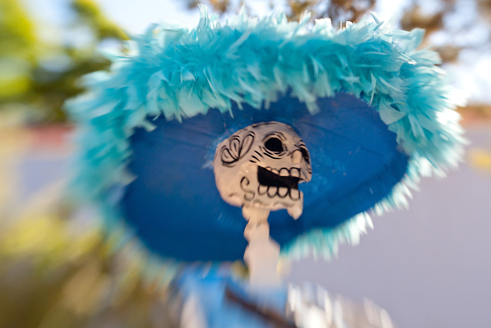 North America, Mexico, Guanajuato State, San Miguel de Allende, Giant catrina skeleton on display during Day of the Dead celebration.   PR
