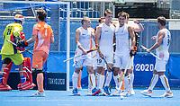 TOKIO - Alexander Hendrickx (Bel) heeft de stand op 1-3 gebracht en viert het met John-John Dohmen (Bel) , Felix Denayer (Bel) , Sebastien Dockier  (Bel)  tijdens   de wedstrijd van de Nederlandse hockeymannen tegen Belgie op de Olympische Spelen. Nederland-Belgie (1-3)   COPYRIGHT KOEN SUYK