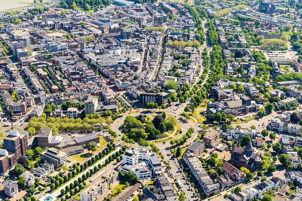 Nederland, Gelderland, Nijmegen, 29-05-2019; overzicht historisch binnenstad Nijmegen, omgeving van de rotonde van het Keizer Karelplein.<br /> Historic city center Nijmegen.<br /> luchtfoto (toeslag op standard tarieven);<br /> aerial photo (additional fee required);<br /> copyright foto/photo Siebe Swart