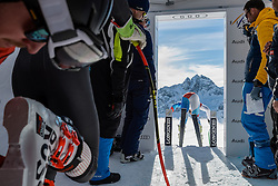 09.02.2017, St. Moritz, SUI, FIS Weltmeisterschaften Ski Alpin, St. Moritz 2017, Abfahrt, Herren, Training, im Bild Vorläufer am Start // A forerunner at the free fall start during the practice run of men's Downhill of the FIS Ski World Championships 2017. St. Moritz, Switzerland on 2017/02/09. EXPA Pictures © 2017, PhotoCredit: EXPA/ Alessandro Della Bella/ POOL