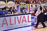 DESCRIZIONE : Pistoia Lega A 2015-2016 Giorgio Tesi Group Pistoia Vanoli Cremona<br /> GIOCATORE : arbitro Alessandro Martolini<br /> CATEGORIA : arbitro<br /> SQUADRA : arbitro<br /> EVENTO : Campionato Lega A 2015-2016<br /> GARA : Giorgio Tesi Group Pistoia Vanoli Cremona<br /> DATA : 13/03/2016<br /> SPORT : Pallacanestro<br /> AUTORE : Agenzia Ciamillo-Castoria/Max.Ceretti<br /> GALLERIA : Lega Basket A 2014-2015<br /> FOTONOTIZIA : Pistoia Lega A 2015-2016 Giorgio Tesi Group Pistoia Vanoli Cremona<br /> PREDEFINITA :
