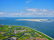 Nederland, Noord-Holland, gemeente Den Helder, 07-05-2021; Huisduinen met Fort Erfprins (Marinekazerne). Zicht op Noorderhaaks. <br /> Huisduinen with Fort Erfprins (Naval Barracks). View of Noorderhaaks.<br /> <br /> luchtfoto (toeslag op standard tarieven);<br /> aerial photo (additional fee required)<br /> copyright © 2021 foto/photo Siebe Swart