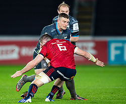 Scott Williams of Ospreys under pressure from Peter O'Mahony of Munster <br /> <br /> Photographer Simon King/Replay Images<br /> <br /> European Rugby Champions Cup Round 1 - Ospreys v Munster - Saturday 16th November 2019 - Liberty Stadium - Swansea<br /> <br /> World Copyright © Replay Images . All rights reserved. info@replayimages.co.uk - http://replayimages.co.uk