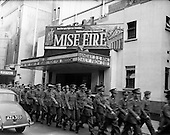 30/11/1960 Soldiers View 'Mise Eire'