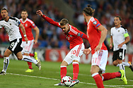 Aaron Ramsey of Wales © has a shot at goal. Wales v Austria , FIFA World Cup qualifier , European group D match at the Cardiff city Stadium in Cardiff , South Wales on Saturday 2nd September 2017. pic by Andrew Orchard, Andrew Orchard sports photography