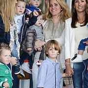 NLD/Amsterdam/20120604 - Vertrek Nederlands Elftal voor EK 2012, Charlotte - Sophie Heitinga - Zenden