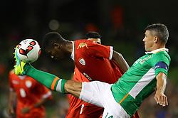 Ireland's Jon Walters gets ahead of Oman's Nadir Awadh Bashir Bait Mabrook - Mandatory by-line: Ken Sutton/JMP - 31/08/2016 - FOOTBALL - Aviva Stadium - Dublin,  - Republic of Ireland v Oman -