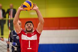 23-09-2016 NED: EK Kwalificatie Turkije - Wit Rusland, Koog aan de Zaan<br /> Turkije had het vrij lastig in de eerste wedstrijd tegen Wit Rusland maar blijven meedoen voor het EK ticket / Ulas Kiyak #1 sets