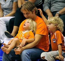 12-06-2011 VOLLEYBAL: EUROPEAN LEAGUE NETHERLANDS - AUSTRIA: ROTTERDAM<br /> Dutch support, public, leeuwen<br /> ©2011-FotoHoogendoorn.nl