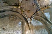 Nederland, Nijmegen, 12-11-2020 De Sint Nicolaaskapel op het valkhof, valkhofpark . Het is een stadspark met de resten van de burcht, palz, van Karel de Grote . Karolingische kapel deel uitmakend van de verdwenen palz. De muurschilderingen uit 1543 en aangebracht om de komst van Keizer Karel V naar Nijmegen te vieren, worden momenteel gerestaureerd.  De kapel is het oudste complete stenen bouwwerk van Nederland . Foto: ANP/ Hollandse Hoogte/ Flip Franssen