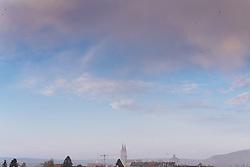 Eine Kaltfront bringt Regen und in hoeheren Lagen Schnee. Im Bild Schneefall in Klosterneuburg, aufgenommen am 31.03.2020, Klosterneuburg, Oesterreich // A cold front brings rain and snow at higher altitudes. In the picture snowfall in Klosterneuburg, Austria on 2020/03/31. EXPA Pictures © 2020, PhotoCredit: EXPA/ Florian Schroetter