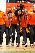 Nederlandse Olympische ploeg komt thuis en wordt gehuldigd op het plein voor Station Den Bosch.<br /> <br /> Op de foto: o.a. Ranomi Kromowidjojo , Marianne Vos en Epke Zonderland