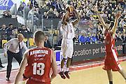 DESCRIZIONE : Roma Campionato Lega A 2013-14 Acea Virtus Roma Grissin Bon Reggio Emilia <br /> GIOCATORE :  Goss Phil<br /> CATEGORIA : three points<br /> SQUADRA : Acea Virtus Roma<br /> EVENTO : Campionato Lega A 2013-2014<br /> GARA : Acea Virtus Roma Grissin Bon Reggio Emilia <br /> DATA : 22/12/2013<br /> SPORT : Pallacanestro<br /> AUTORE : Agenzia Ciamillo-Castoria/M.Simoni<br /> Galleria : Lega Basket A 2013-2014<br /> Fotonotizia : Roma Campionato Lega A 2013-14 Acea Virtus Roma Grissin Bon Reggio Emilia <br /> Predefinita :