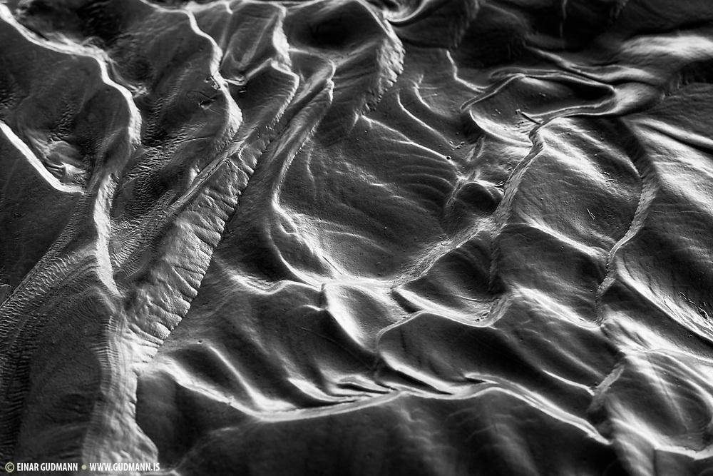 Sand waves near the Selfoss waterfall.