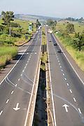 Pouso Alegre_MG, Brasil...Vista panoramica da BR-381, Rodovia Fernao Dias, em Pouso Alegre...The panoramic view of BR-381, Fernao Dias highway, in Pouso Alegre...Foto: LEO DRUMOND / NITRO.....