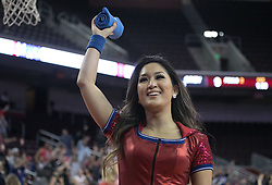 October 10, 2017 - Los Angeles, California, U.S - A the Los Angeles Clippers cheerleader throws a Clipper t-shirt to fans during their Free Open Practice for fans held on Tuesday October 10, 2017 at the Galen Center in USC in Los Angeles, California. (Credit Image: © Prensa Internacional via ZUMA Wire)