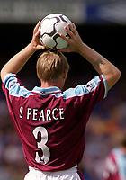 Stuart Pearce (West Ham) takes a throw in. Chelsea v West Ham United. FA Premiership, 19/8/2000. Credit Colorsport / Nick Kidd.