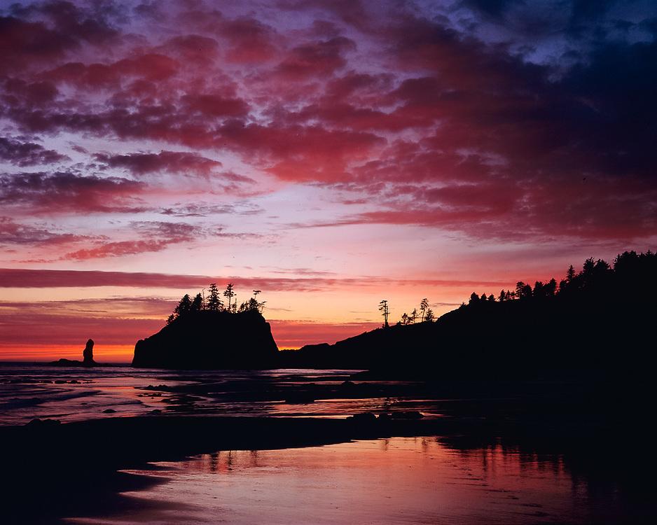 Sunset clouds, summer, Second Beach, Pacific Ocean coastline, Olympic National Park, Washington, USA