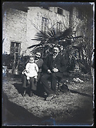 grandparents with baby toddler France 1921