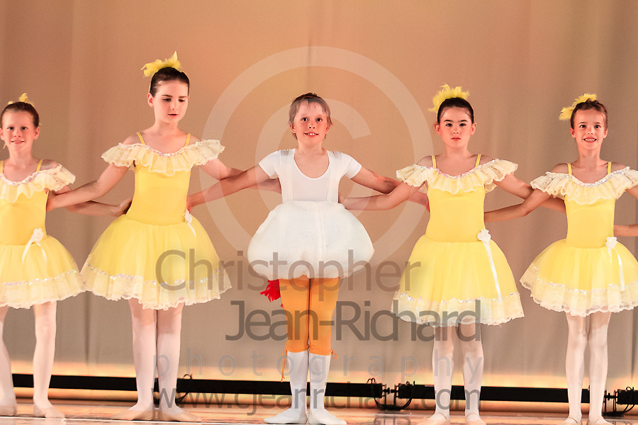 ART: 2015   Colours of Passion: We've Got The Power   Friday Rehearsal --<br /> <br /> Chicken Doodle-Doo<br /> <br /> choreography: Gretchen Bernard-Newburger<br /> 7-8 Jahre<br /> <br /> Students and Instructors of Atelier Rainbow Tanzkunst (http://www.art-kunst.ch/) rehearse on the stage of the Schinzenhof for a series of performances in June, 2015.<br /> <br /> Schinzenhof, Alte Landstrasse 24 8810 Horgen Switzerland