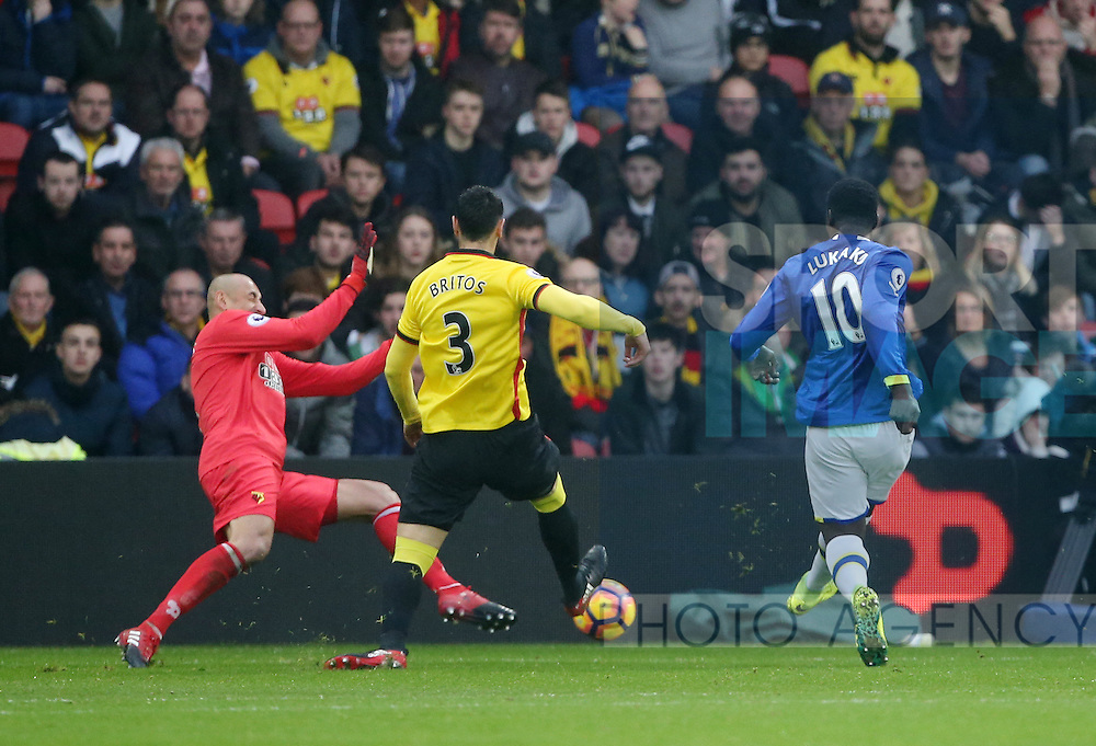 Everton's Romelu Lukaku scoring his sides first goal during the Premier League match at Vicarage Road Stadium, London. Picture date December 10th, 2016 Pic David Klein/Sportimage