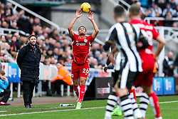 Bristol City manager Lee Johnson looks on as Zak Vyner takes a throw in - Rogan Thomson/JMP - 25/02/2017 - FOOTBALL - St James' Park - Newcastle, England - Newcastle United v Bristol City - Sky Bet EFL Championship.
