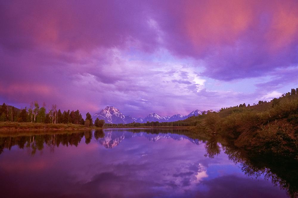 Mount Moran and the Teton Range, Snake River, sunrise, Grand Teton National Park, WYyoming, USA