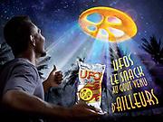 Publicité photographiée en studio à Nouméa Nouvelle Calédonie pour les snacks UFOS. Goodman Fielder