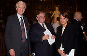 Nicholas Barber, Francis Findlay and hon Kate Trevelyan, Official opening of the Enlightenment Gallery and the exhibition 'Discovering the World in the Eighteenth Century' in the restored KIng's Libraqry by Prince Charles. British Museum. 11 December 2003. © Copyright Photograph by Dafydd Jones 66 Stockwell Park Rd. London SW9 0DA Tel 020 7733 0108 www.dafjones.com