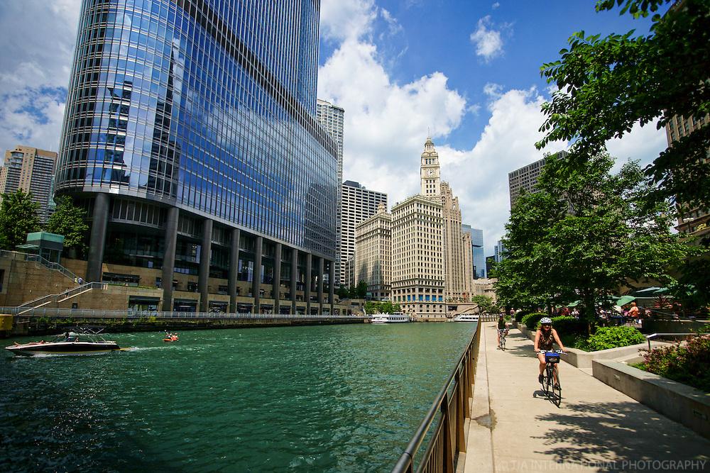 Promenade, Chicago Riverwalk