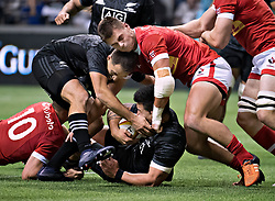 VANCOUVER, Nov. 4, 2017  Maori All Blacks' Tim Bateman (L) and Rob Thompson (C) competes with team Canada's Guiseppe Du Toit during an exhibition game in Vancouver, Canada, on Nov. 3, 2017. Maori All Blacks won 51-9. (Credit Image: © Andrew Soong/Xinhua via ZUMA Wire)