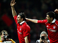 Jubel 0:1 durch Claudio Pizarro Bayern, Roy Makaay <br /> DFB-Pokal Finale Eintracht Frankfurt - FC Bayern Muenchen  Bayern München <br /> Norway only