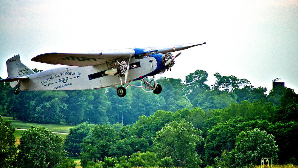 Ford 1929 Tri-Motor Airplane Flight