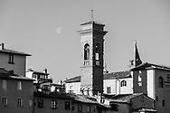 Houses on the edge of the river Arno in Florence, Tuscany, Italy.<br /> Picture date: Sunday February 24, 2019.<br /> Photograph by Christopher Ison ©<br /> 07544044177<br /> chris@christopherison.com<br /> www.christopherison.com