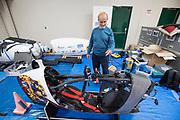 Georgi Georgiev bekijkt de VeloX 7. Het Human Power Team Delft en Amsterdam, dat bestaat uit studenten van de TU Delft en de VU Amsterdam, is in Amerika om tijdens de World Human Powered Speed Challenge in Nevada een poging te doen het wereldrecord snelfietsen voor vrouwen te verbreken met de VeloX 7, een gestroomlijnde ligfiets. Het record is met 121,44 km/h sinds 2009 in handen van de Francaise Barbara Buatois. De Canadees Todd Reichert is de snelste man met 144,17 km/h sinds 2016.<br /> <br /> With the VeloX 7, a special recumbent bike, the Human Power Team Delft and Amsterdam, consisting of students of the TU Delft and the VU Amsterdam, wants to set a new woman's world record cycling in September at the World Human Powered Speed Challenge in Nevada. The current speed record is 121,44 km/h, set in 2009 by Barbara Buatois. The fastest man is Todd Reichert with 144,17 km/h.