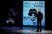 URGENT CRIE ! CAUBERE JOUE BENEDETTO  au theatre des carmes pour le festival d'Avignon 2011 , auteur Andre Benedetto, mise en scene Philippe Caubere, avec Philippe Caubere, guitare Jeremy Campagne