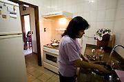 Belo Horizonte_ MG, Brasil...Retrato de uma dona-de-casa em Belo Horizonte, Minas Gerais...A housewife in Belo Horizonte, Minas Gerais...Foto: JOAO MARCOS ROSA / NITRO