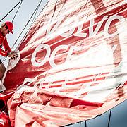 © María Muiña I MAPFRE: Pruebas de navegación con el nuevo mástil y velas en Lisboa. Testing the new mast and sails in Lisbon.