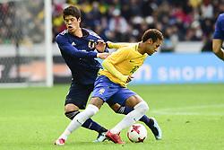 November 10, 2017 - Lille, France, France - Neymar Jr (Bresil) vs Hiroki Sakai  (Credit Image: © Panoramic via ZUMA Press)